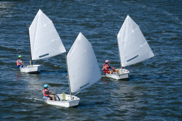 tipos de barcos de vela ligera